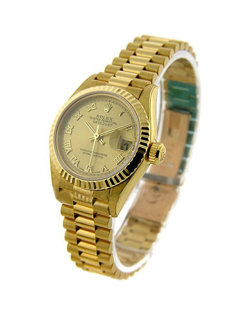 Pre-Owned Rolex Ladies 26mm Datejust in Yellow Gold with Fluted Bezel