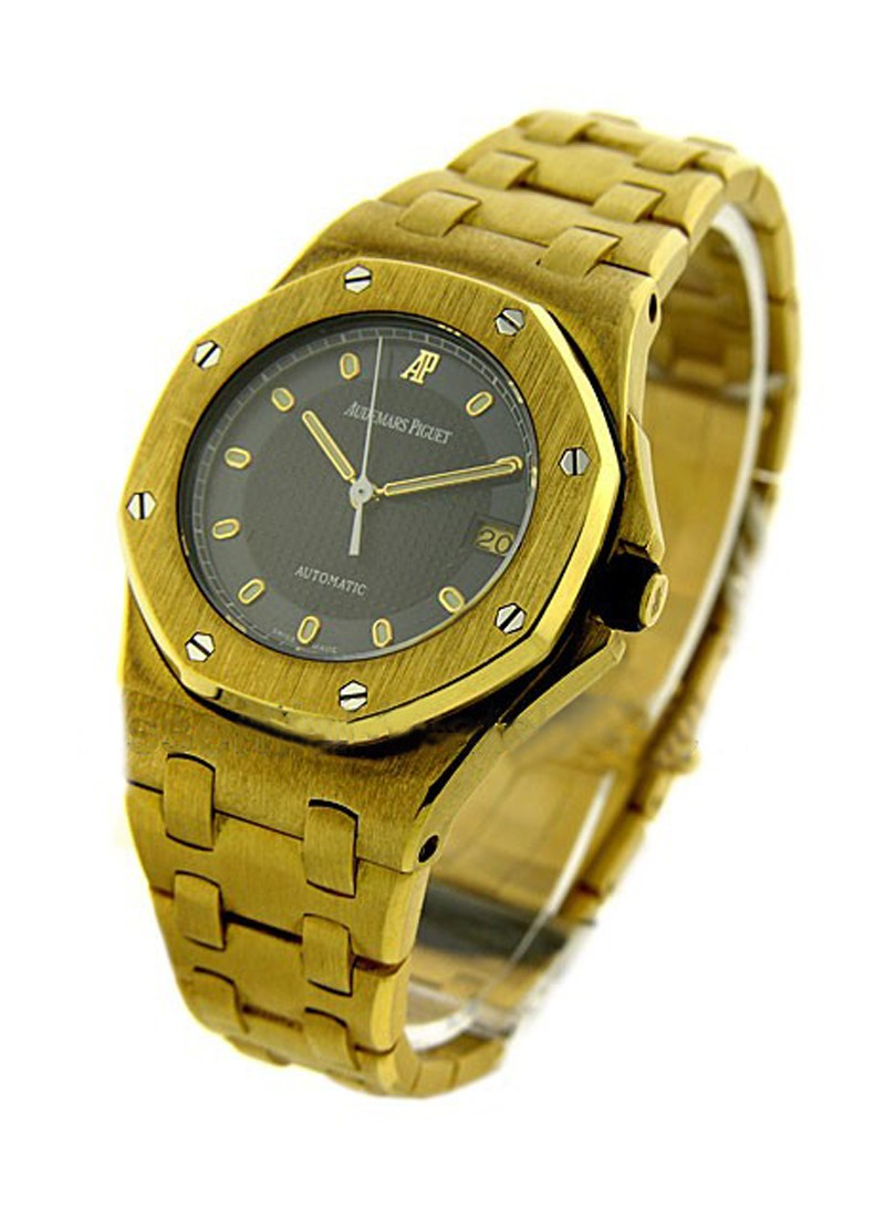 Audemars Piguet Yellow Gold Mid Size Offshore