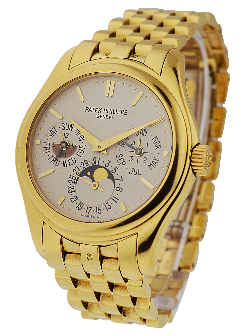 Patek Philippe Perpetual Calendar 5136 in Yellow Gold