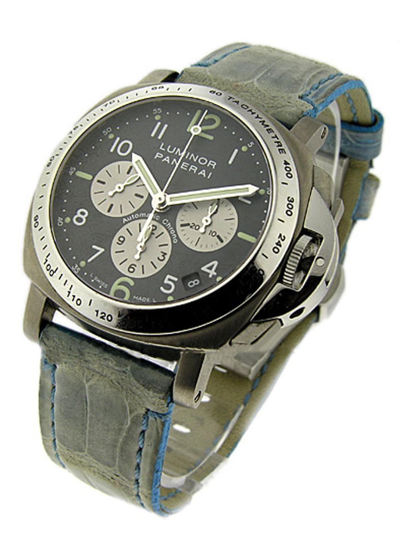 Panerai PAM 121   Luminor Chronograph in Brushed Titanium