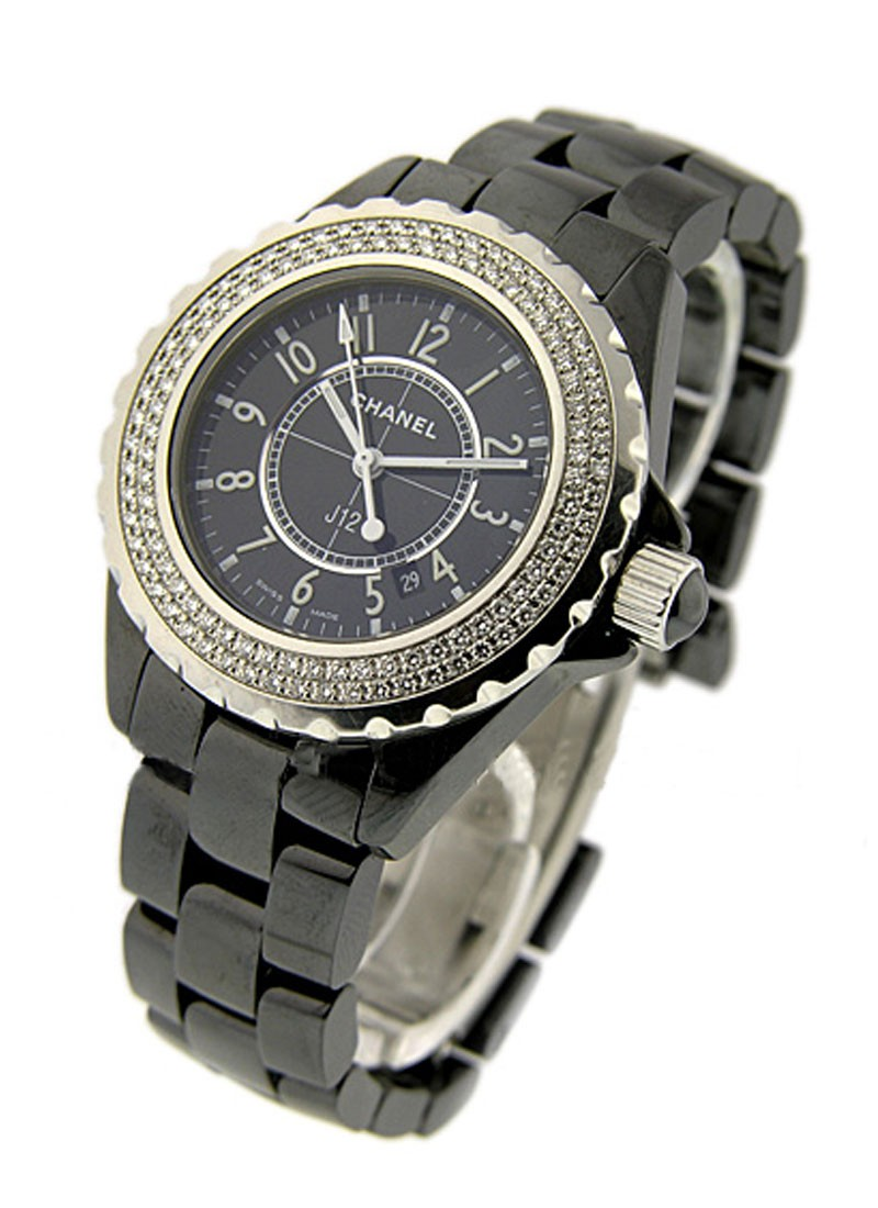Chanel J12 - Black - Small Size H0949 -in Black Ceramic with Diamond Bezel