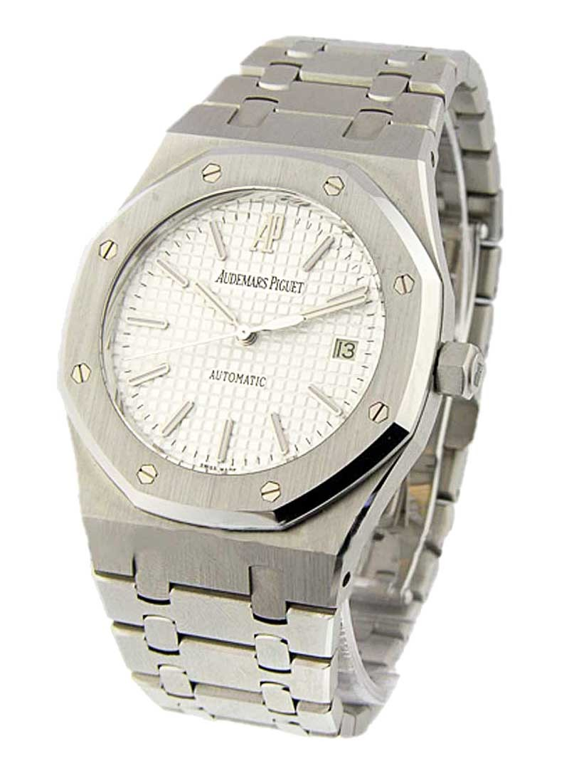 Audemars Piguet Royal Oak with Date 39mm Automatic in Steel