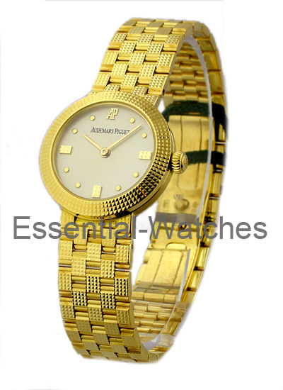 Audemars Piguet Lady's Classic in Yellow Gold