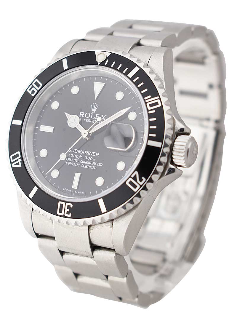 Pre-Owned Rolex Submariner 40mm in Steel with NON - ENGRAVED BEZEL