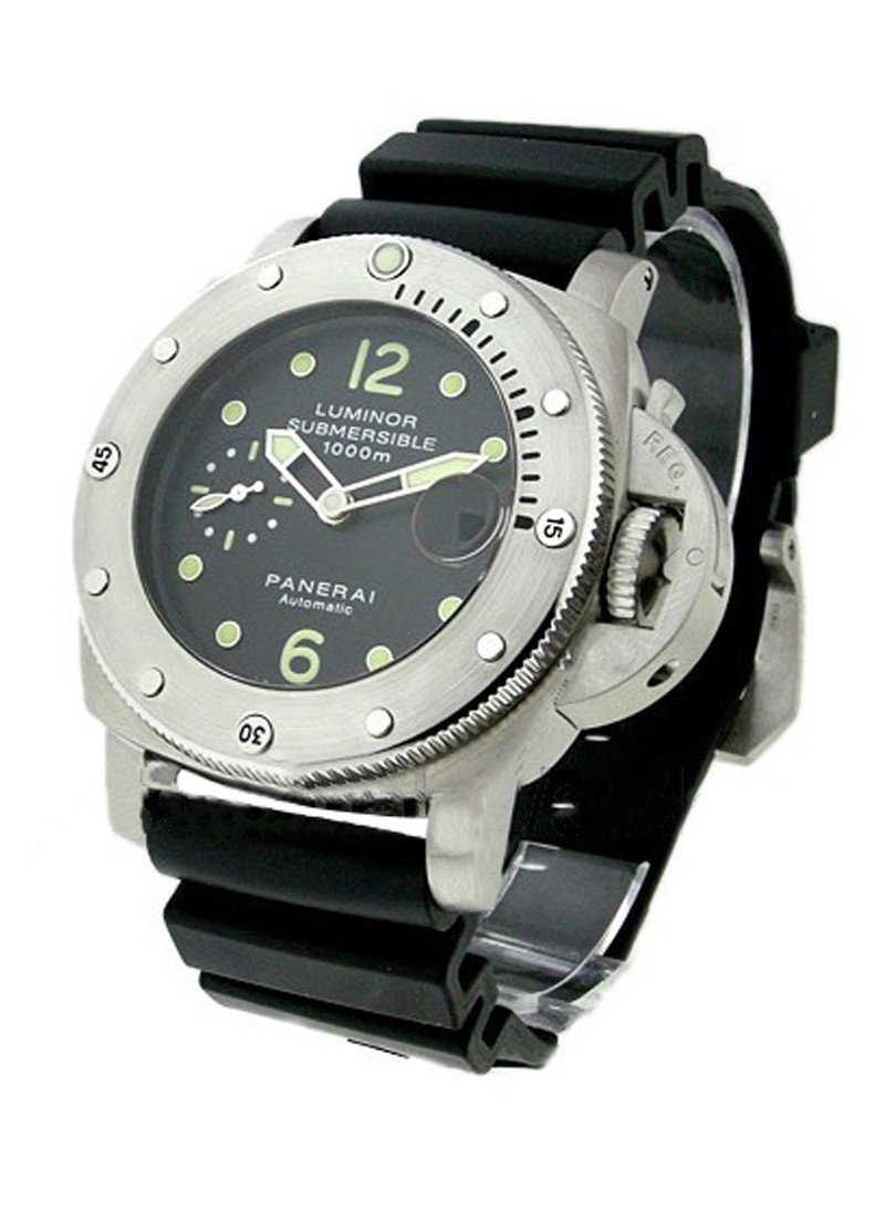 Panerai PAM 243 Luminor 1950 Submersible in Steel