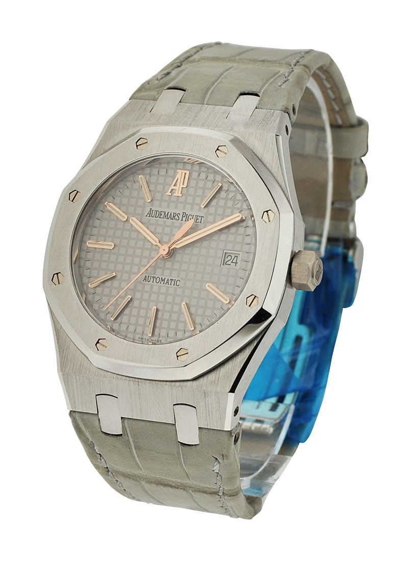 Audemars Piguet Royal Oak for Italy 39mm in Platinum