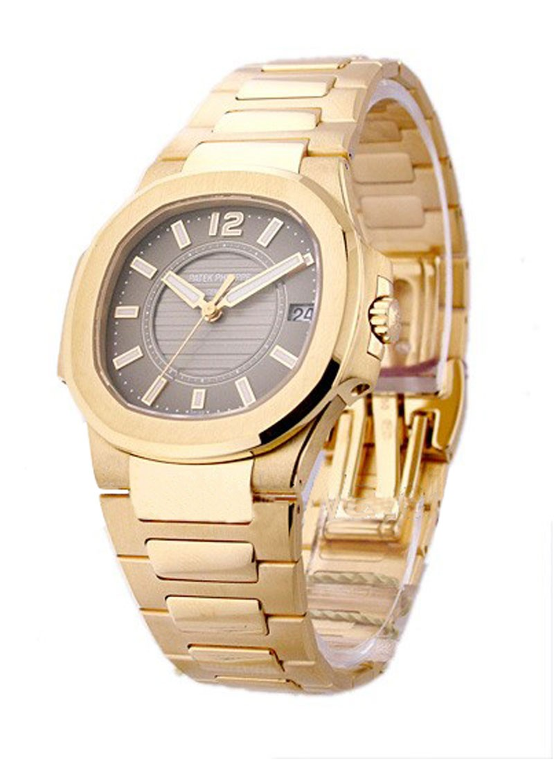 Patek Philippe Nautilus 32mm Quartz in Rose Gold
