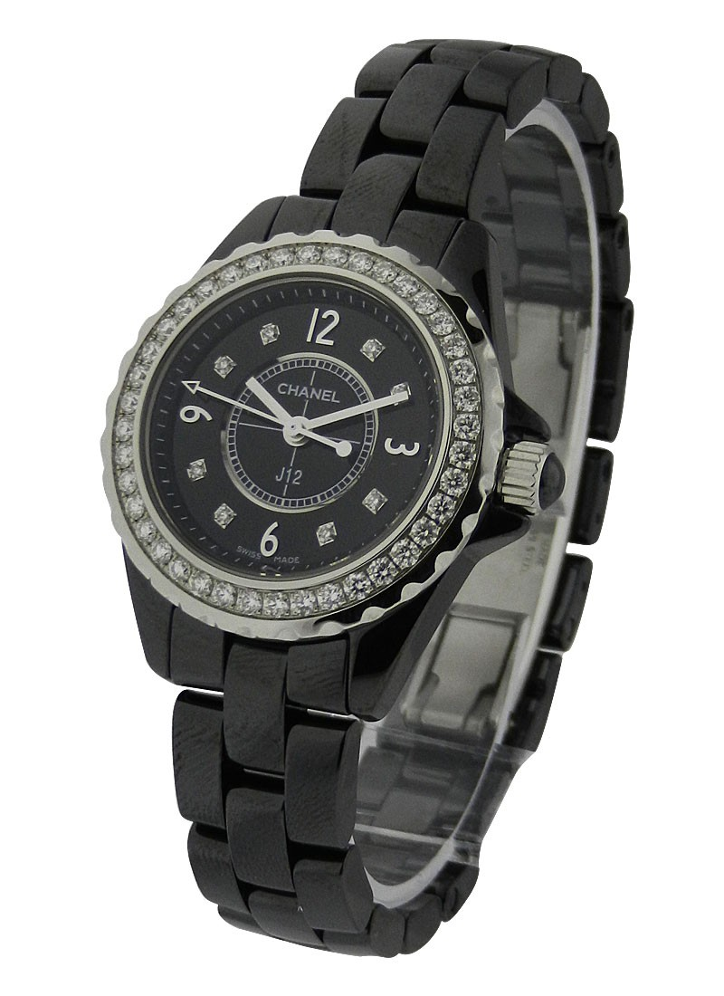 Chanel J12   Black 29mm Size H2571