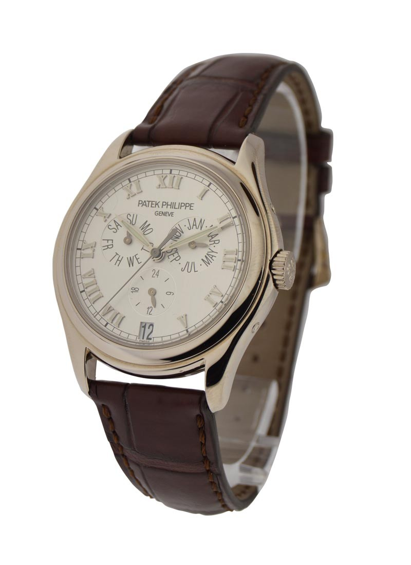 Patek Philippe 5035G Annual Calendar automatic in White Gold
