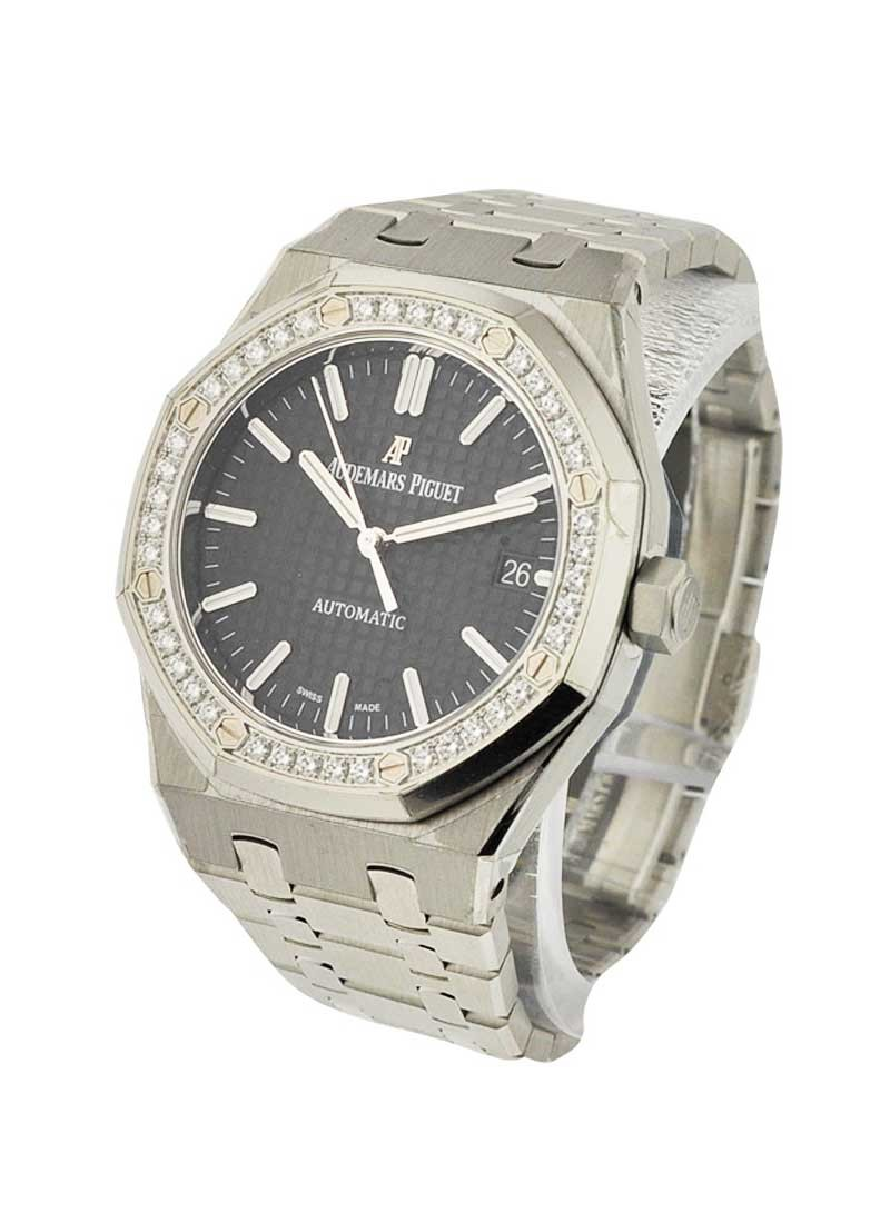 Audemars Piguet Royal Oak Automatic in Steel with Diamond Bezel