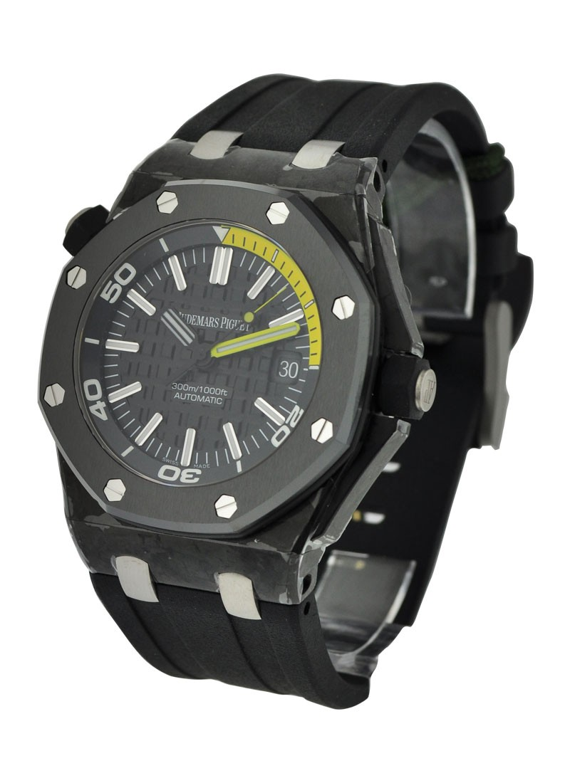 Audemars Piguet Royal Oak Offshore Diver in Carbon