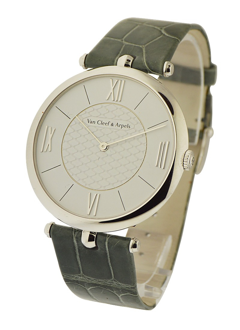 Van Cleef Pierre Arpels in White Gold