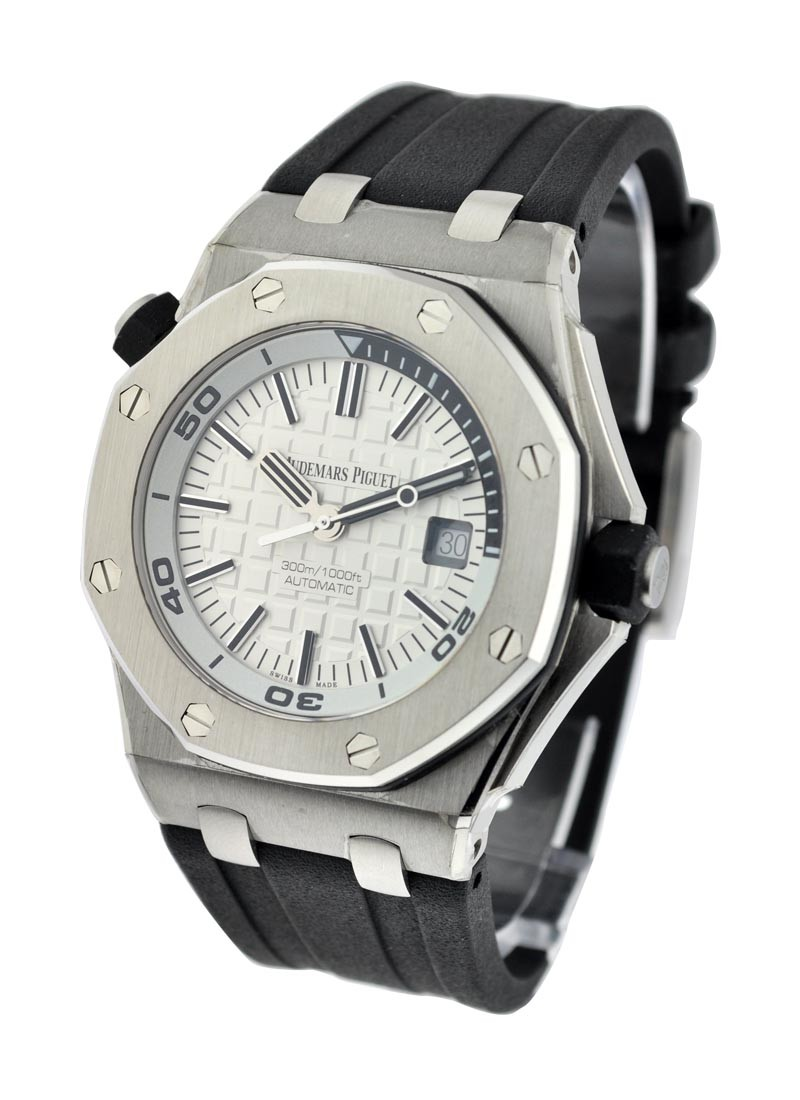 Audemars Piguet Royal Oak Offshore Diver Automatic in Steel