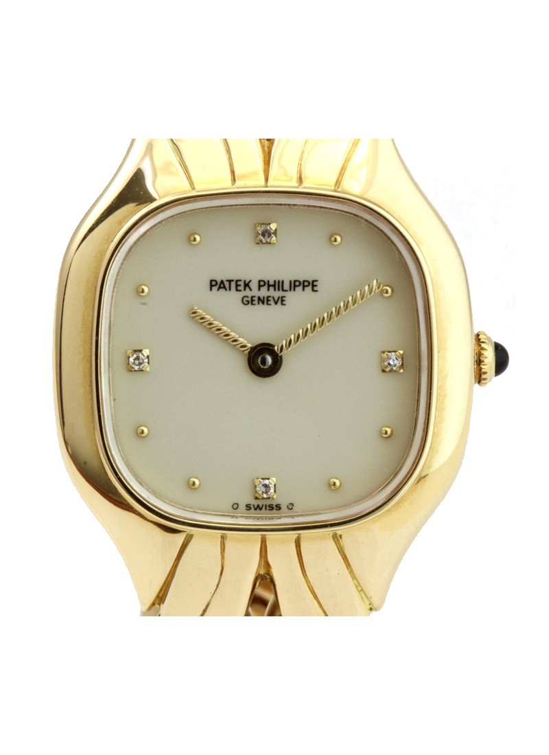 Patek Philippe La Flamme Ladies Quartz in Yellow Gold