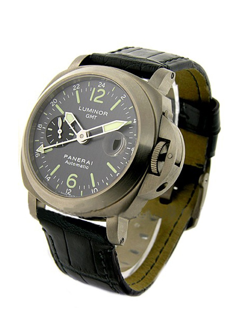Panerai PAM 89 - Luminor GMT in Titanium
